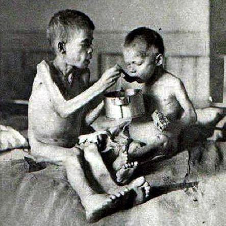 holodomor children.jpg