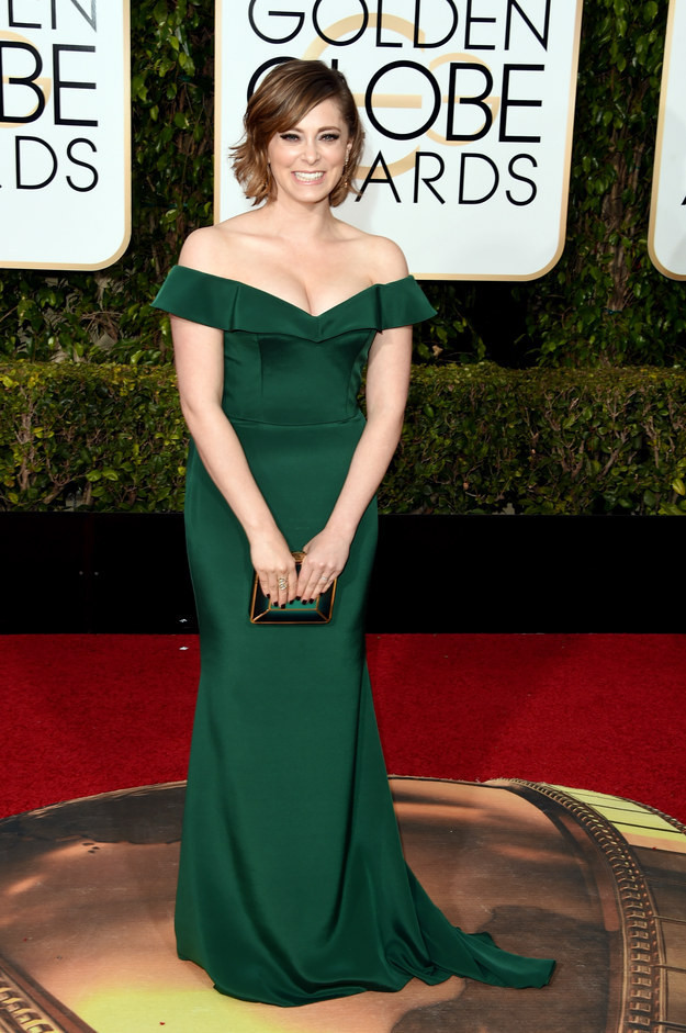 rachel-bloom-golden-globes-red-carpet