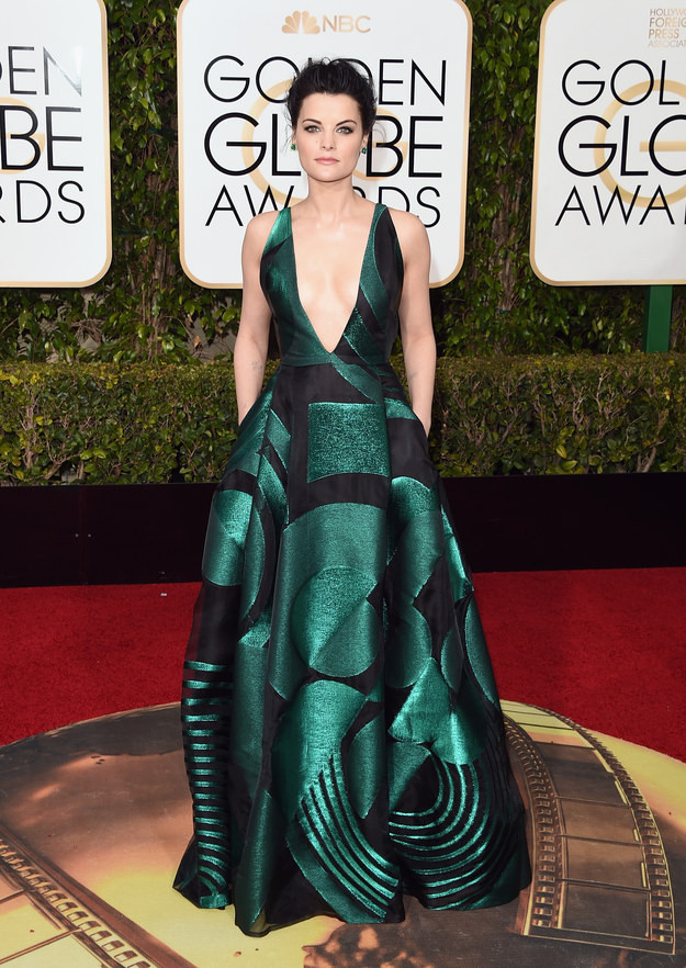 jaimie-alexander-golden-globes-red-carpet
