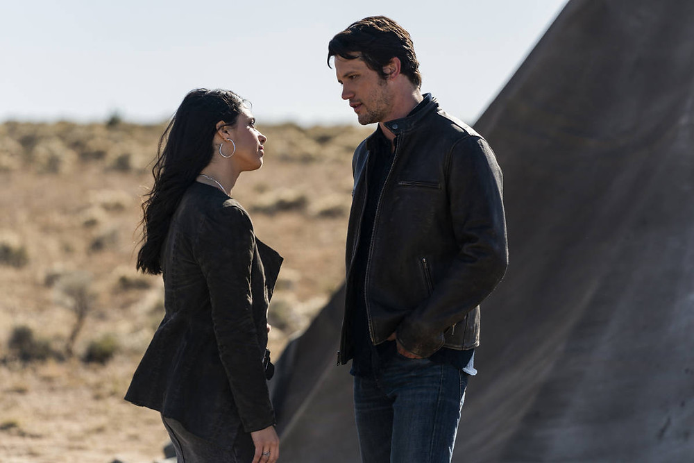 Max Evans and Liz Ortecho l Roswell, New Mexico Season 1