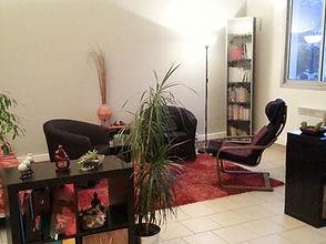 Photographie du cabinet de psychologue et sexologue situé au Rove, Marseille, l'Estaque. Un espace convivial pour faciliter la parole et résoudre vos problèmes intimes.