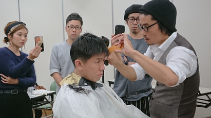 人頭モデルで美容師さんへ刈上げを講習