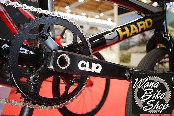 Cliq Weapoz Crankset with BB/Chain Bolts