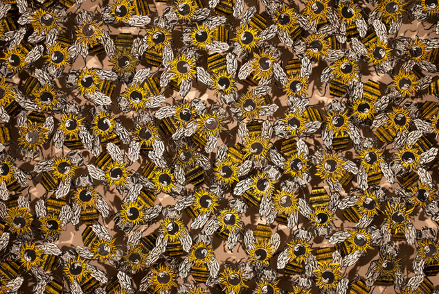 400 Bees, Detail