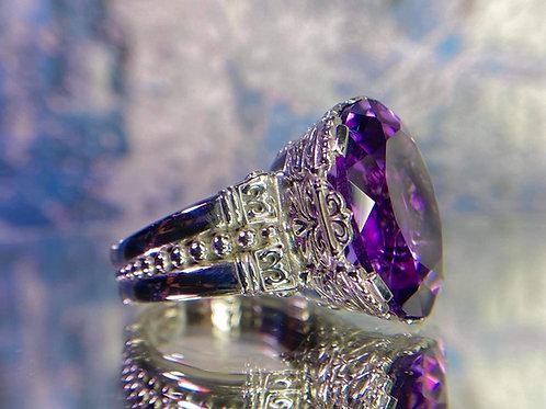 Filligree oval Amethyst ring