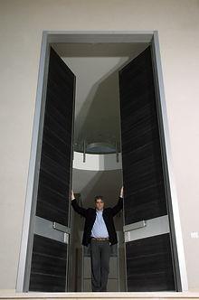 דלת דו כנפית 4.80 מטר