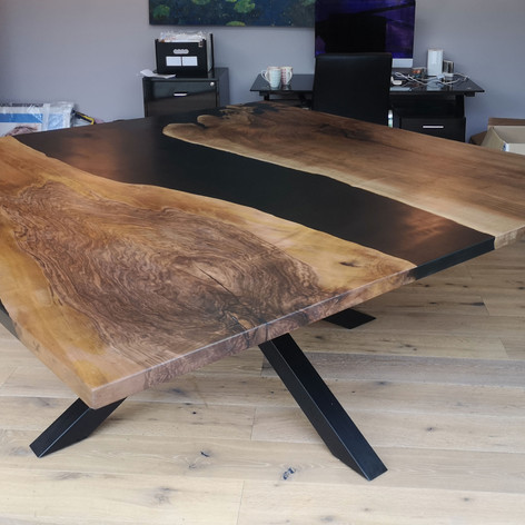 2mx2m English walnut table with spider leg base