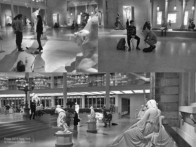 """Tatiana Chaumont quitte le sud de la France pour rejoindre la Biennale de Paris et l'IHEAP dirigé à l'époque par Alexandre Gurita pour comprendre les enjeux de l'art conceptuel actuel et de participer comme documentaliste à la création d'une école d'art à New York. Elle y rencontrera et filmera de grandes figures de l'art tel Henry Flynt, Steven Henry Madoff, Robert Storr… À cette occasion, elle assure deux évènements expérimentaux sur le thème de la transmission """"Room of the teeth"""" à New York au MET et à la galerie Apexart."""
