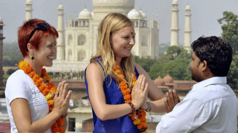 Top 10 Apps And Websites Travelers To India
