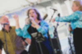 Karen Stoehr Lead Vocalist for Uptownphunkband