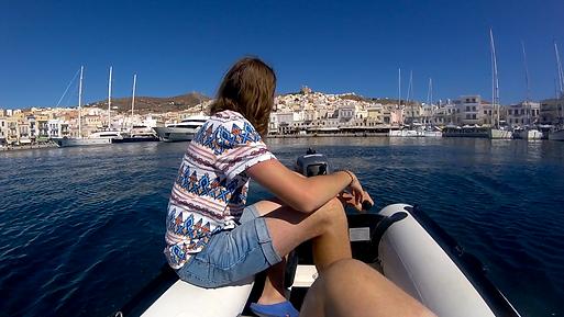 Syros gummibåt.png