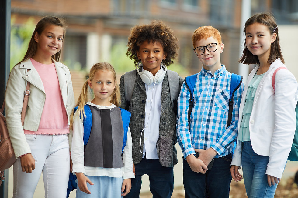 group-of-elementary-students-outdoors-TP