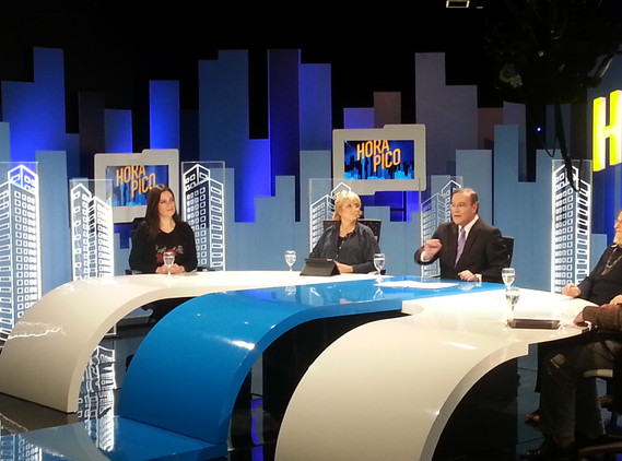 """Entrevista el 28-8-2014 en """"Hora pico"""""""