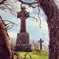 irish-cemetery_t20_QoOvlm.jpg