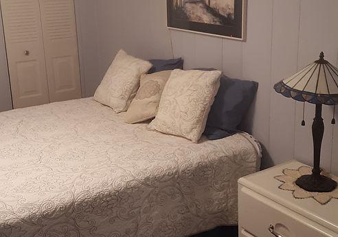 joans%20bedroom_edited.jpg