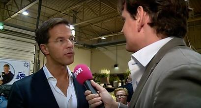 Gerben van Driel interviewt Mark Rutte voor PowNews