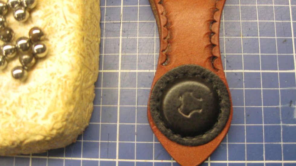 Ammo holder with a powerful magnet, handmade from 8oz thick Cowhide