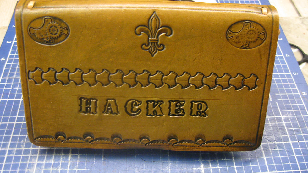 """Hacker Notes Case, Leather Pocket 4-1/8"""" x 7"""" (105 x 178 mm) Memo Notebook cover"""