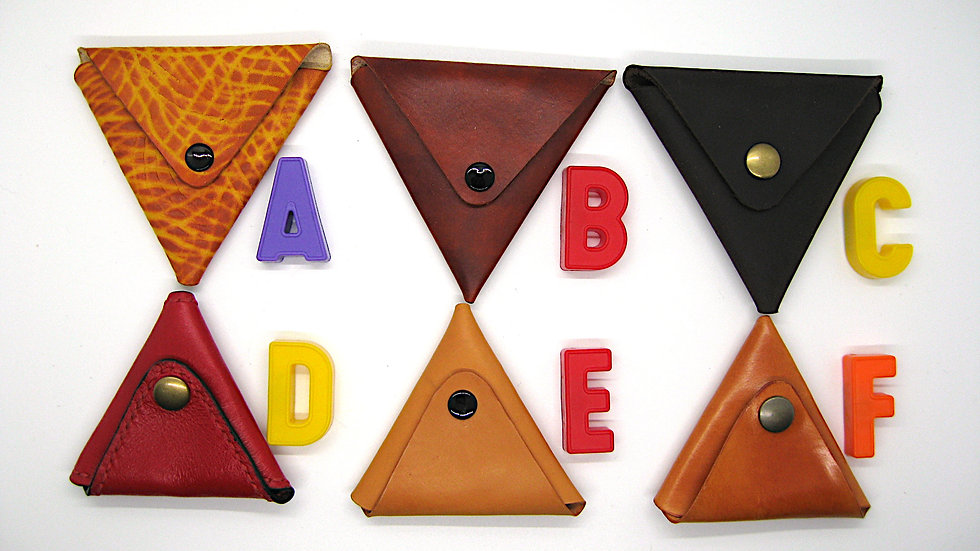 Triangular Folded leather coin pouch (Oak-Leaf Veg-Tanned Leather)