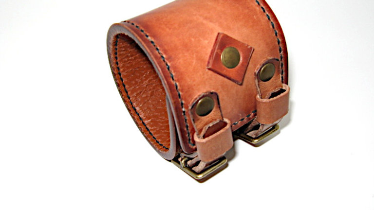 Coyote Peterson double buckle leather cuff , Johnny Depp Cuff Hand aged