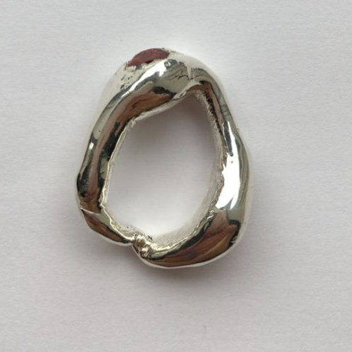 Obese Silver Ring with Red Cubit Circonia
