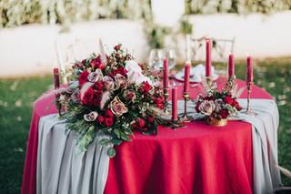 Mesa mantel rojo.jpg