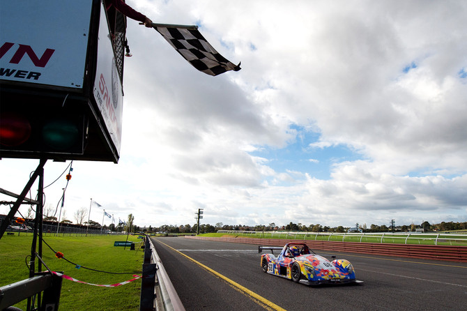 Burke consolidates championship points lead in Melbourne