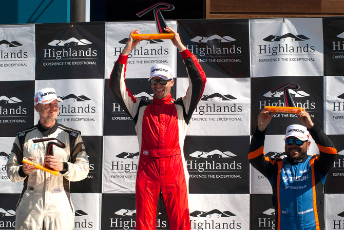 Perini stands tall after epic Radical season finale in NZ