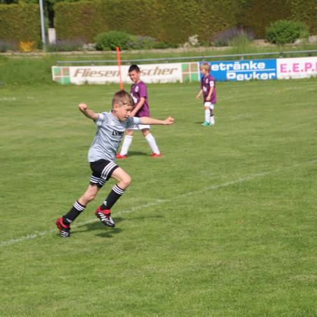 F2 Jugend, 25.05.19 in Weichs, Spieltag der Zahl 8. 8. Sieg im 8.Spiel, 8:2 Heimsieg (HZ 3:0)!!!