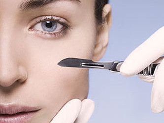 Dermaplaning - The New Way To Exfoliate!