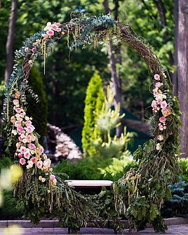 13-oversized-grapevine-wreath-with-pink-