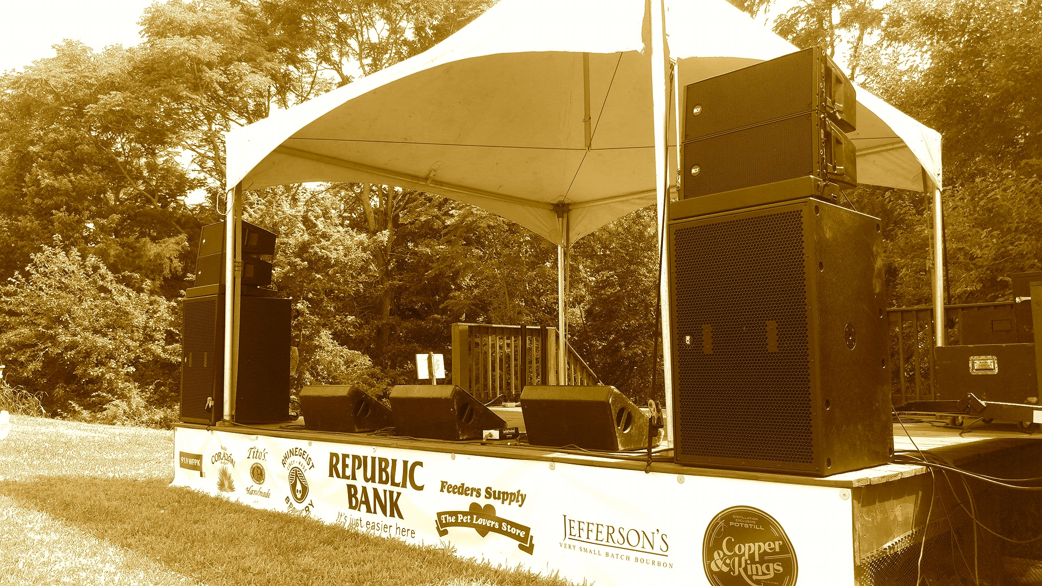 Louisville Sound, Small Covered stage