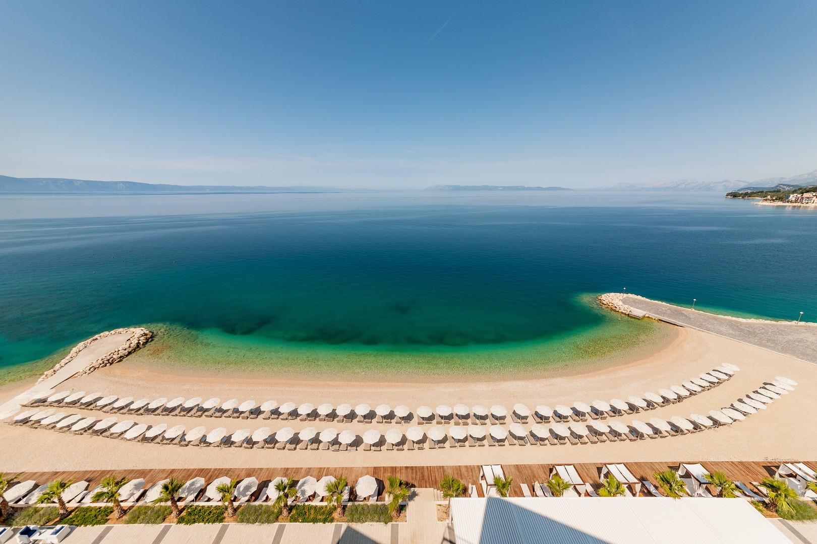 Medora Auri beach.jpg