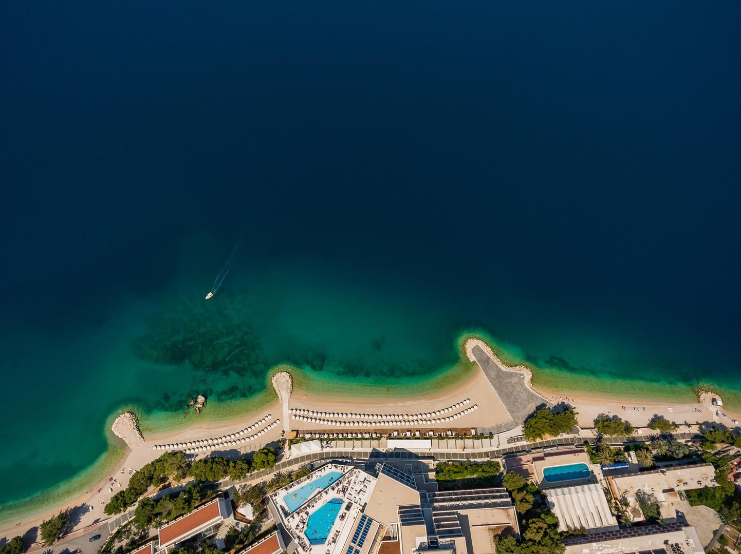 Dron - beach.jpg