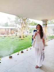 Sri Sri School of yoga AOL Indija 3.jpg