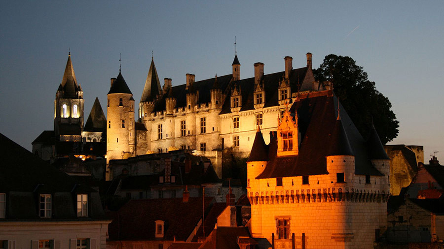 Cité royale de Loches illuminée