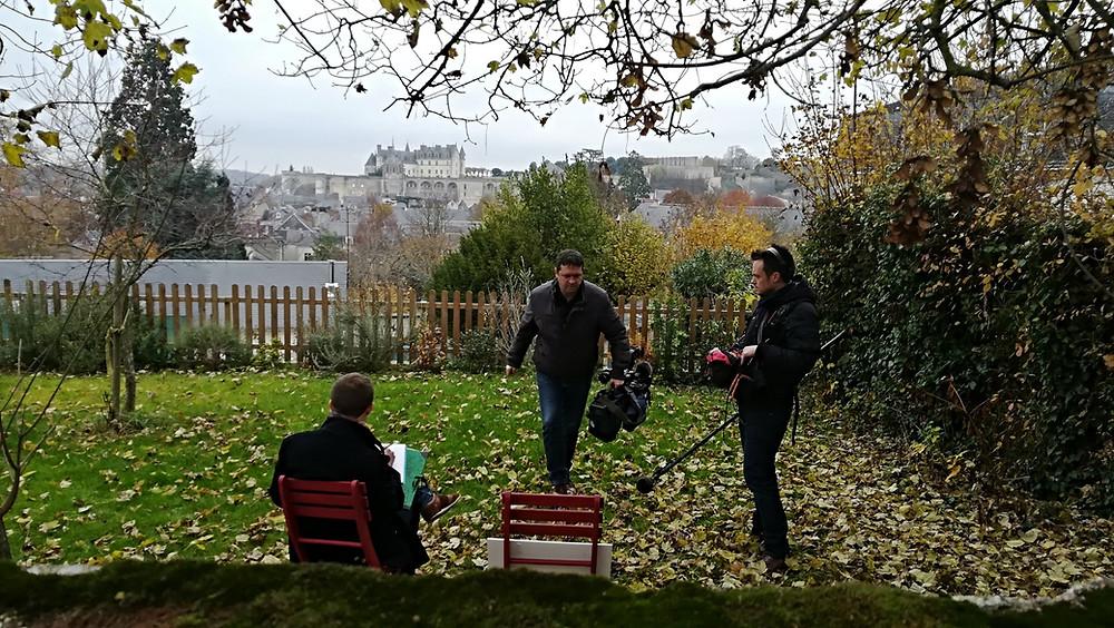 France 2 préparant un reportage pour le journal de 13 h sur les lieux où est passé Léonard de Vinci.