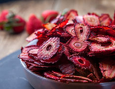 side-view-dried-strawberry-in-plate-on-r