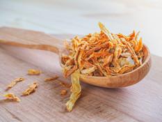 spice-dried-onion-wooden-spoon-wooden-ta