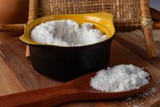 tapioca-flour-black-bowl-wooden-spoon.jp
