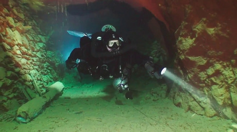 Diving in Slovak Opal mine