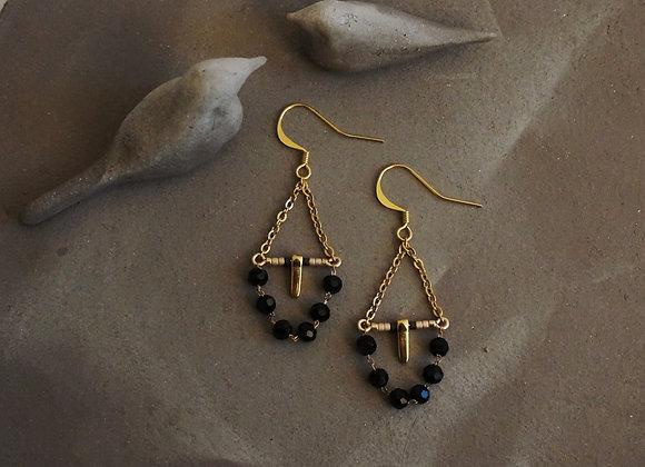 Bilma Noires- Boucles d'oreilles dorés et perles