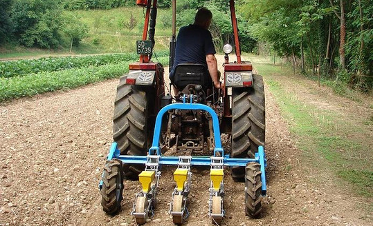 Mechanical Vegetable Seeder SP 2002 Equipment