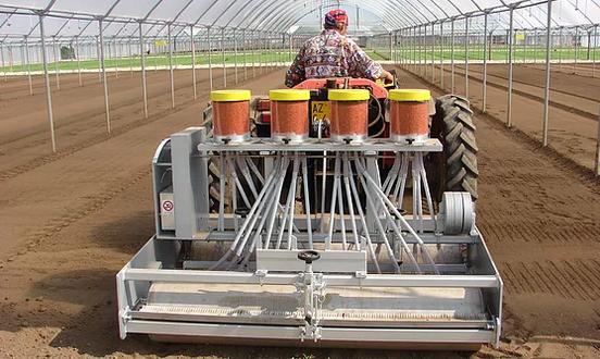 Mechanical Vegetable Seeder SM 2000 Equipment