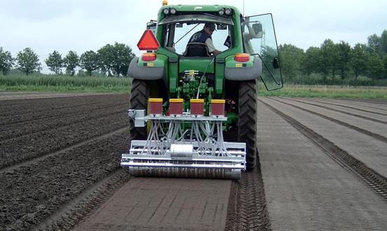 Mechanical Vegetable Seeder SM 2000 Farming