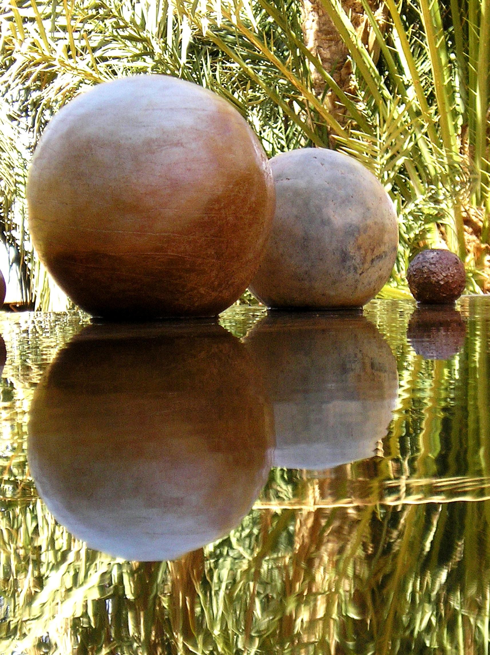 Sphères - bassin - palmeraie