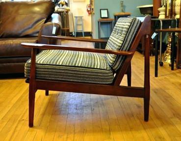 mid-century chair: custom cushions