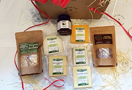 Cheese & Biscuits Gift Box