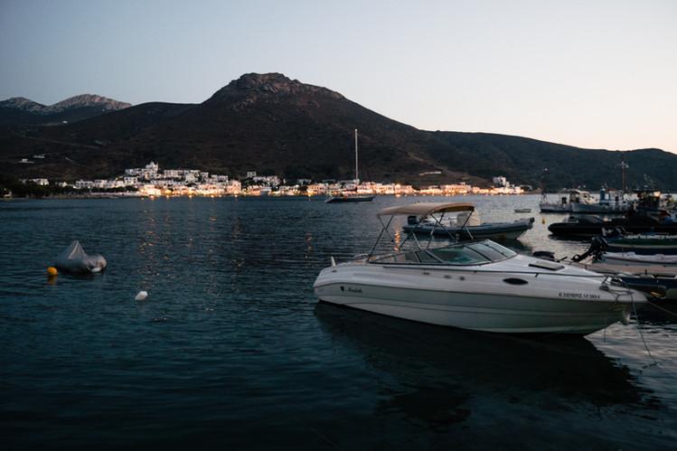 Port de Katapola.  Amorgos, Grèce /// août 2018