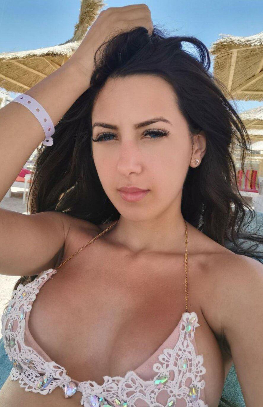 Nina- Russian escort Pattaya booking